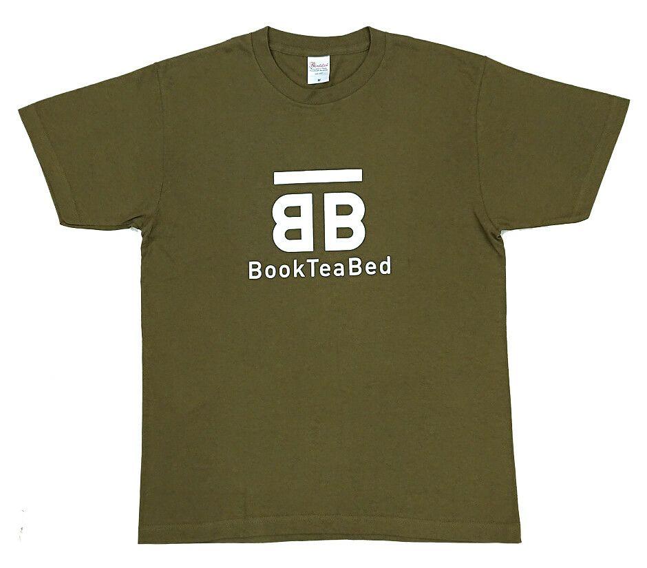 ホステルでのスタッフユニフォームとしてロゴプリントを入れてから納品させていただきました。<br>オリーブ色が可愛いロゴ入りTシャツの完成です。