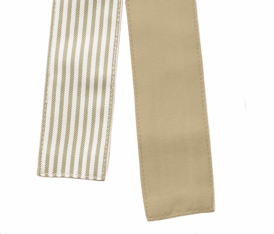 紐は表裏別色を使用、無地を表に結ぶことも可能です。