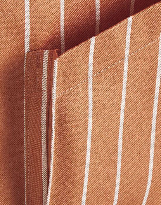 両脇の広めのマチ付きポケット ポケットの横幅は約17,5�Bです。