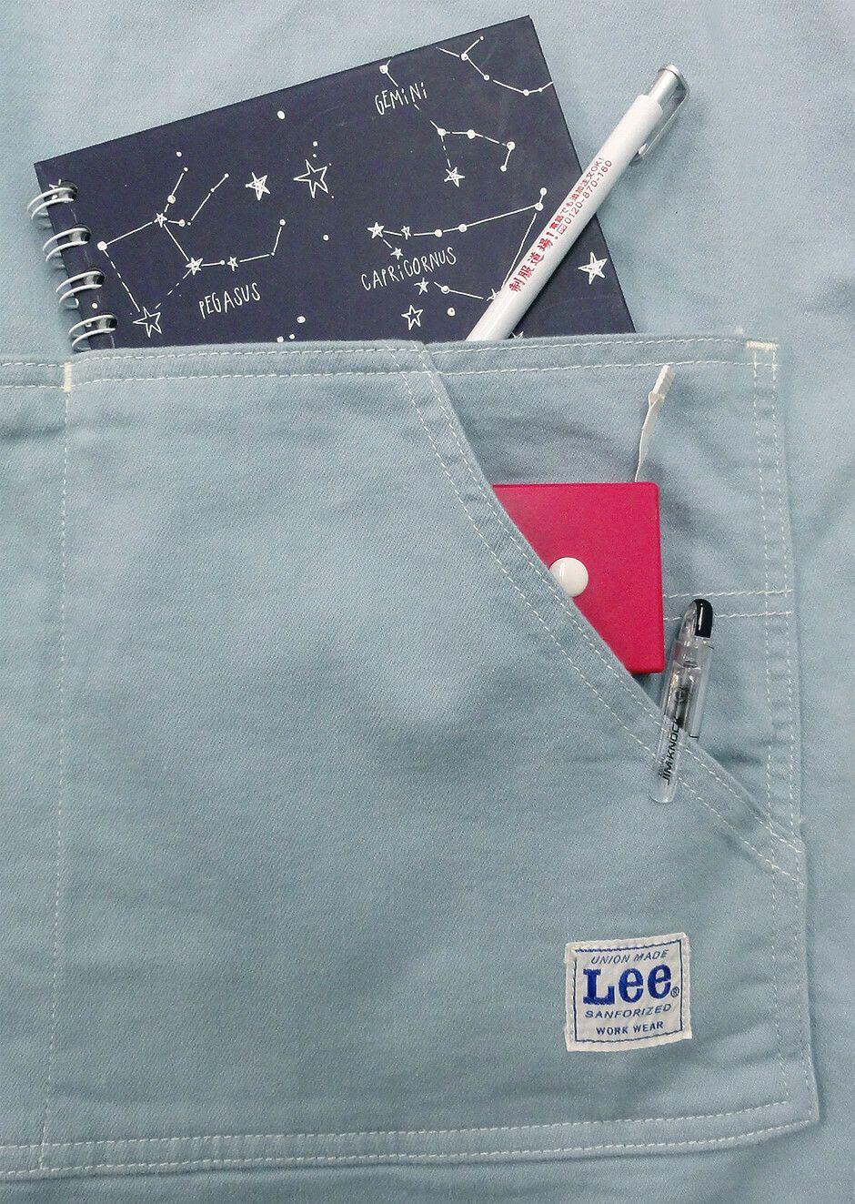 A5サイズのノートもすっぽり入る、大容量のダブルポケットで収納力抜群!