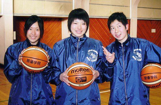 ユニフォーム着用事例:朋友学院高校バスケットボール部の皆さま