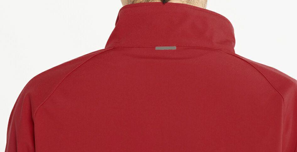 襟裏にも反射材使用