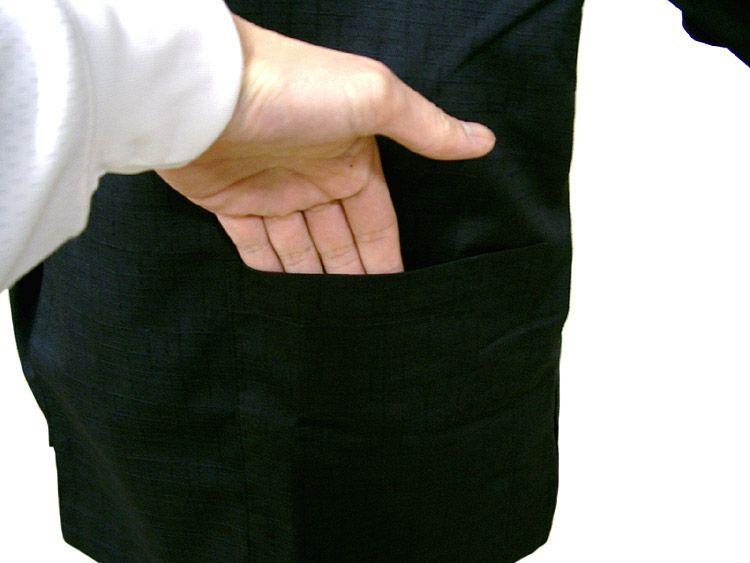 作務衣シャツの左前に、こんなポケットが付いてます!