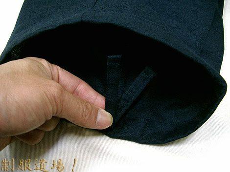 作務衣ズボンのスソ部分は紐付き