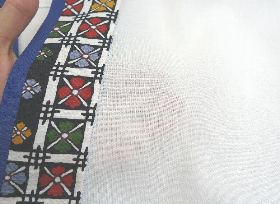 【TH11059 花格子衿白甚平(半袖)】生地のアップ写真です。(ポリエステル65%・綿35%)