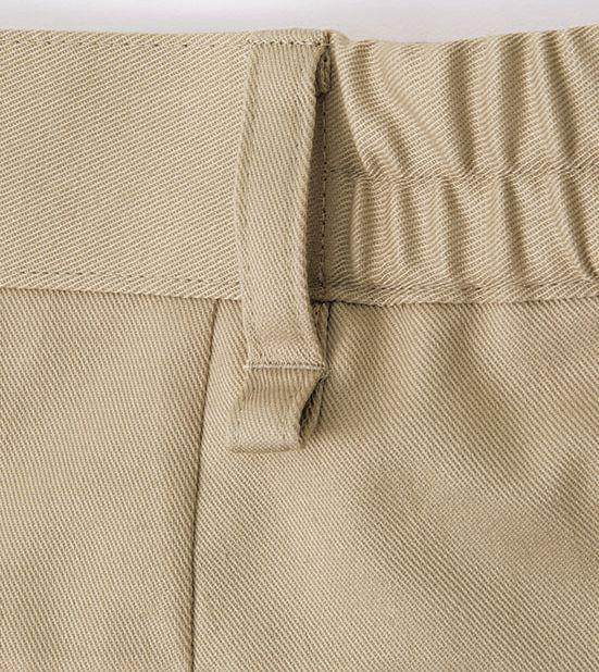 両腰後左右のベルトループには鍵などをチェーンやカールコードで吊り下げられる輪っか付きです。