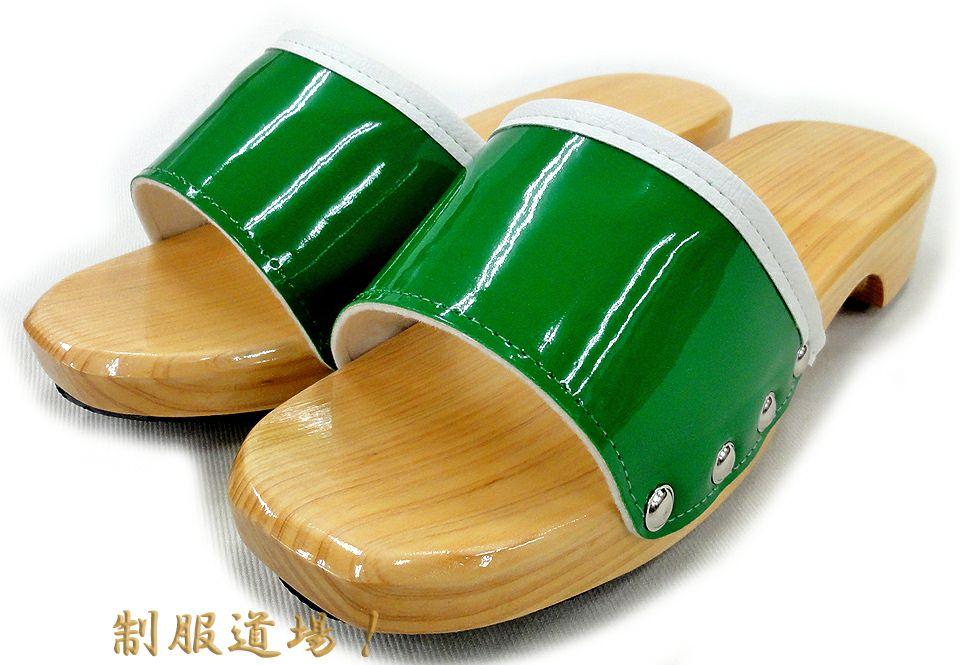 グリーン(緑色)※こち亀の両さんが履いているのと似ているカラーの木製便所サンダル