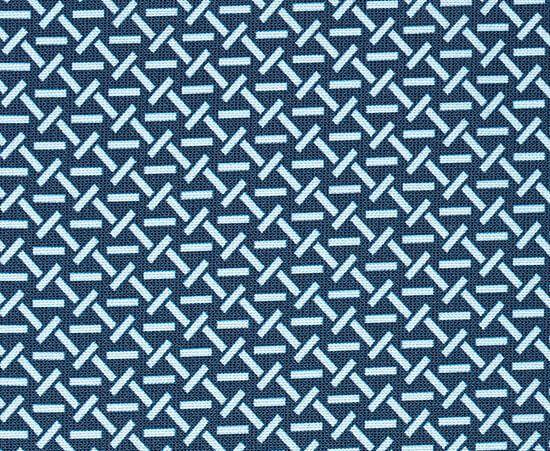 紺色のアップ写真