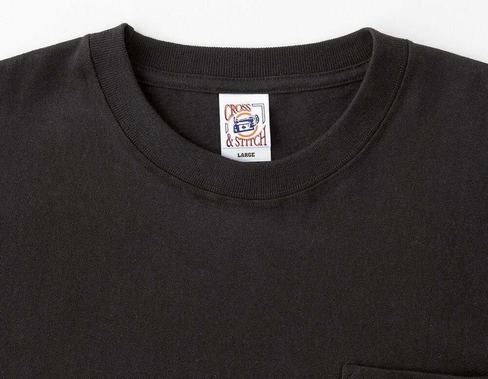 襟はひと手間加えた二本針縫製で襟元を印象付ける一つのアクセントになります。